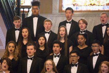 Lincoln choir sings.